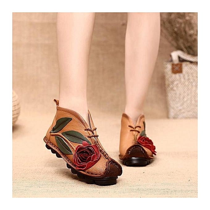055c2e7379e SOCOFY Fashion Retro Handmade Flower Pattern Soft Leather Flat Ankle Boots
